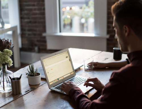 Outsourcing vs. In-House Digital Marketing: Choosing What is Best for a Small Business